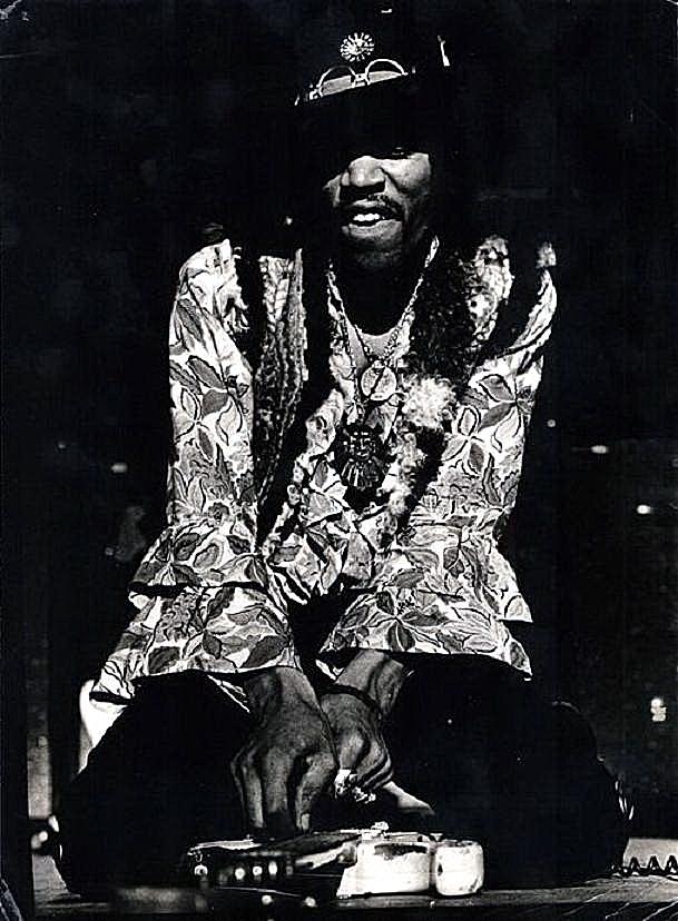New York (Hunter College) : 2 mars 1968 [Second concert]     997383jimihendrix930482