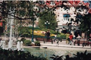 Vos vieilles photos du Resort - Page 15 Mini_137234X65