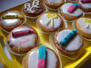 Fournitures scolaires - Page 2 Mini_146207cupcakecole2