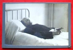 Montrer la mort ou la cacher? - photographies funéraires - Page 2 Mini_166495BnSOUQ2kKGrHqQOKjEtlUqJzl3BLi4m8VYYg12
