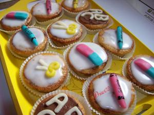 Fournitures scolaires - Page 2 Mini_279765cupcakecole3
