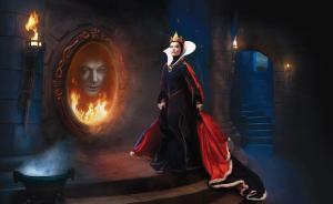 Les stars posent pour Annie Leibovitz pour les campagnes marketing Disney - Page 4 Mini_334408Evilqueen