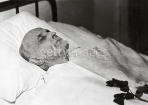 Montrer la mort ou la cacher? - photographies funéraires - Page 2 Mini_36998156462788