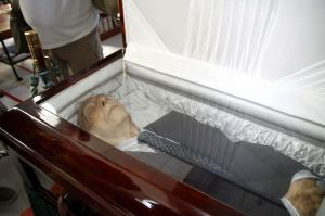 Montrer la mort ou la cacher? - photographies funéraires - Page 2 Mini_414732saramagoataud3487786f