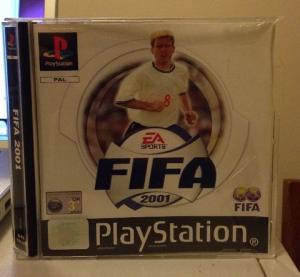 "Jeux ""multi-version"" black label PS1 Mini_425937FIFA20012"