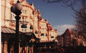 Vos vieilles photos du Resort - Page 15 Mini_455272X60