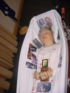 Montrer la mort ou la cacher? - photographies funéraires - Page 3 Mini_502485211603730iZwrlSfs