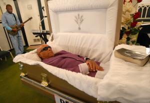 Montrer la mort ou la cacher? - photographies funéraires - Page 3 Mini_595091imagegallery101