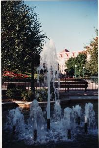 Vos vieilles photos du Resort - Page 15 Mini_640542X57