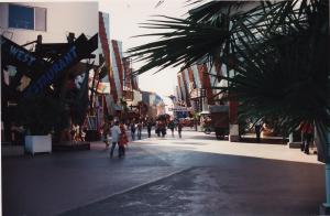 Vos vieilles photos du Resort - Page 15 Mini_651708X31