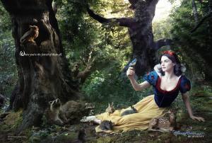 Les stars posent pour Annie Leibovitz pour les campagnes marketing Disney - Page 4 Mini_677101Blancheneige
