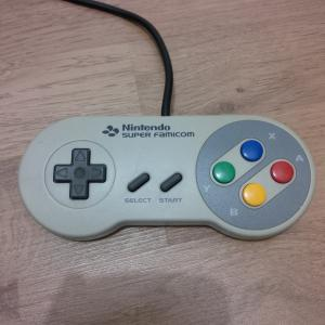 Manette Super Famicom elite Mini_894843IMG20170929214824