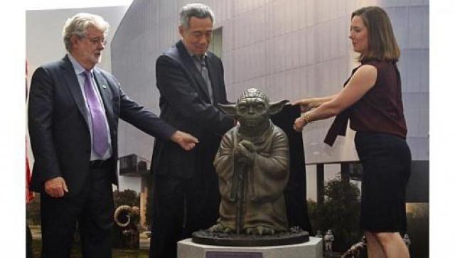 [Lucasfilm] Inauguration du Sandcrawler building à Singapour (2013)  112070sc6