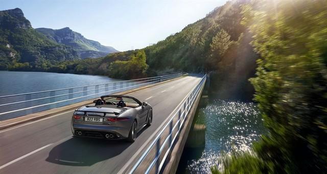 Nouvelle Jaguar F-TYPE SVR : La Supercar Capable D'atteindre 322 km/h Par Tous Les Temps 115882JAGUARFTYPESVR24CONVERTIBLELocationLowRes