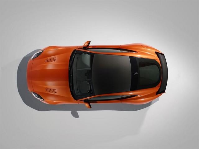 Nouvelle Jaguar F-TYPE SVR : La Supercar Capable D'atteindre 322 km/h Par Tous Les Temps 116095JAGUARFTYPESVR37COUPEStudioLowRes