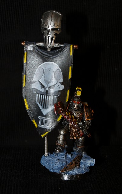 Armée Iron Warriors - Possédés !!! 116180EtendardIronWarrior1