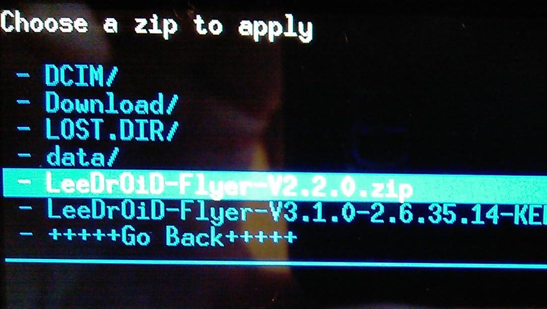 [Tuto] Downgrade vers GB, passage en S.Off, installation Leedroid GB 2.2.0 (en images) 118139IMAG0019