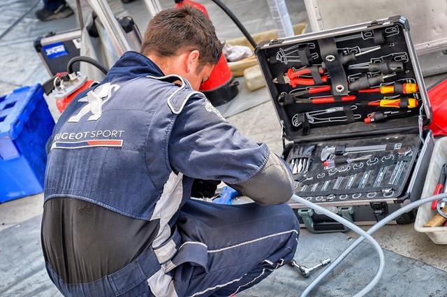 Une Saison 2018 Excitante En 208 Rally Cup Avec Peugeot Sport ! 1183325a1721a92ff0a