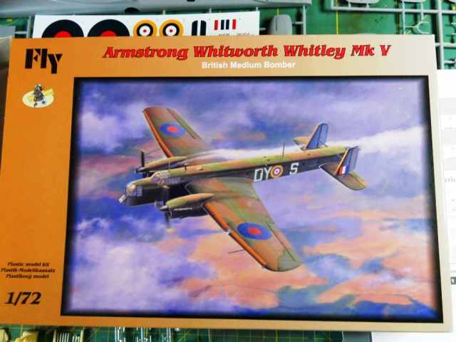WHITLEY 1/72 Marque Fly Bombardier Moyen - RAF 118890BoxWHITLEY