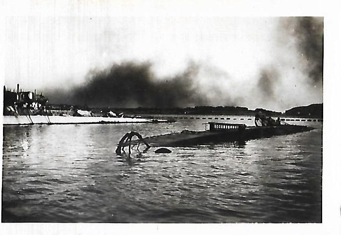 [Histoire et histoires] Toulon : Sabordage de la Flotte (photos) - Page 4 118995LeHardi