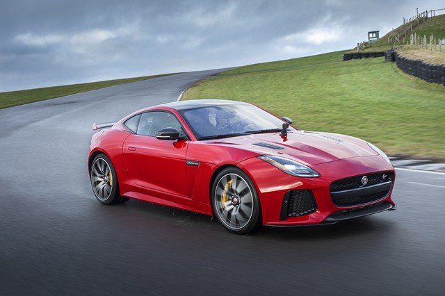 Lancement De La Nouvelle Jaguar F-TYPE Dotée De La Technologie GOPRO En Première Mondiale 125414jaguarftype18myrerunapp10011702