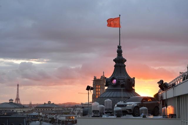 Le Range Rover Velar s'est dévoilé sur les toits de Paris 126283corpo0067