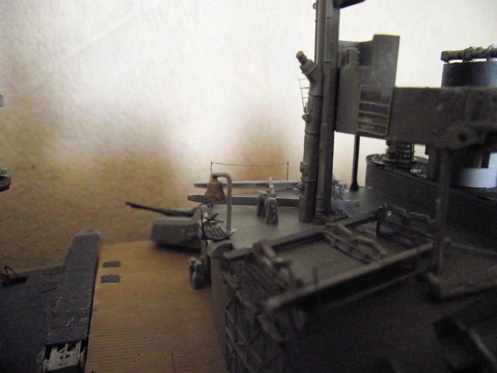 Bismarck 1/200 Trumpeter - Page 5 127536Bismarck1x200110