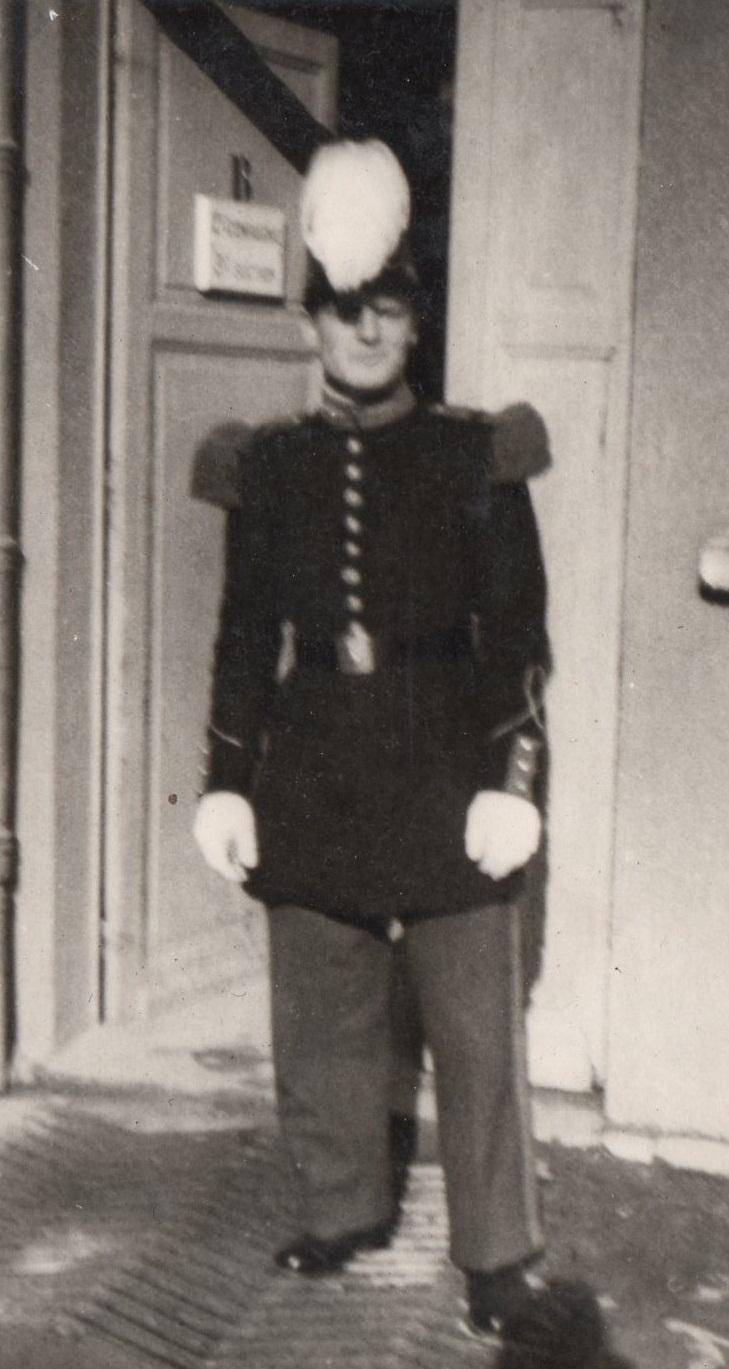 """Sous-lieutenant Yves ALLEMANE Promotion """"AMILAKVARI"""" 18è RCP AFN 127618113"""
