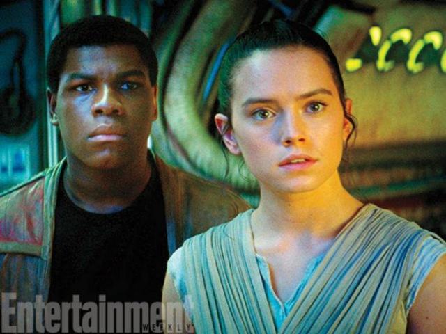 Star Wars : Le Réveil de la Force [Lucasfilm - 2015] - Page 6 130456w45