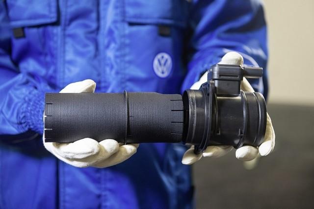 Les mesures techniques des moteurs diesel EA 189 concernés présentées à l'Autorité Fédérale Allemande des Transports (KBA) 130536md16tdiengineea189flowstraightenerinstallationimage3of6