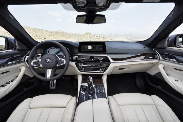 La nouvelle BMW Série 5 Berline. Plus légère, plus dynamique, plus sobre et entièrement interconnectée 131643P90237270highResthenewbmw5series