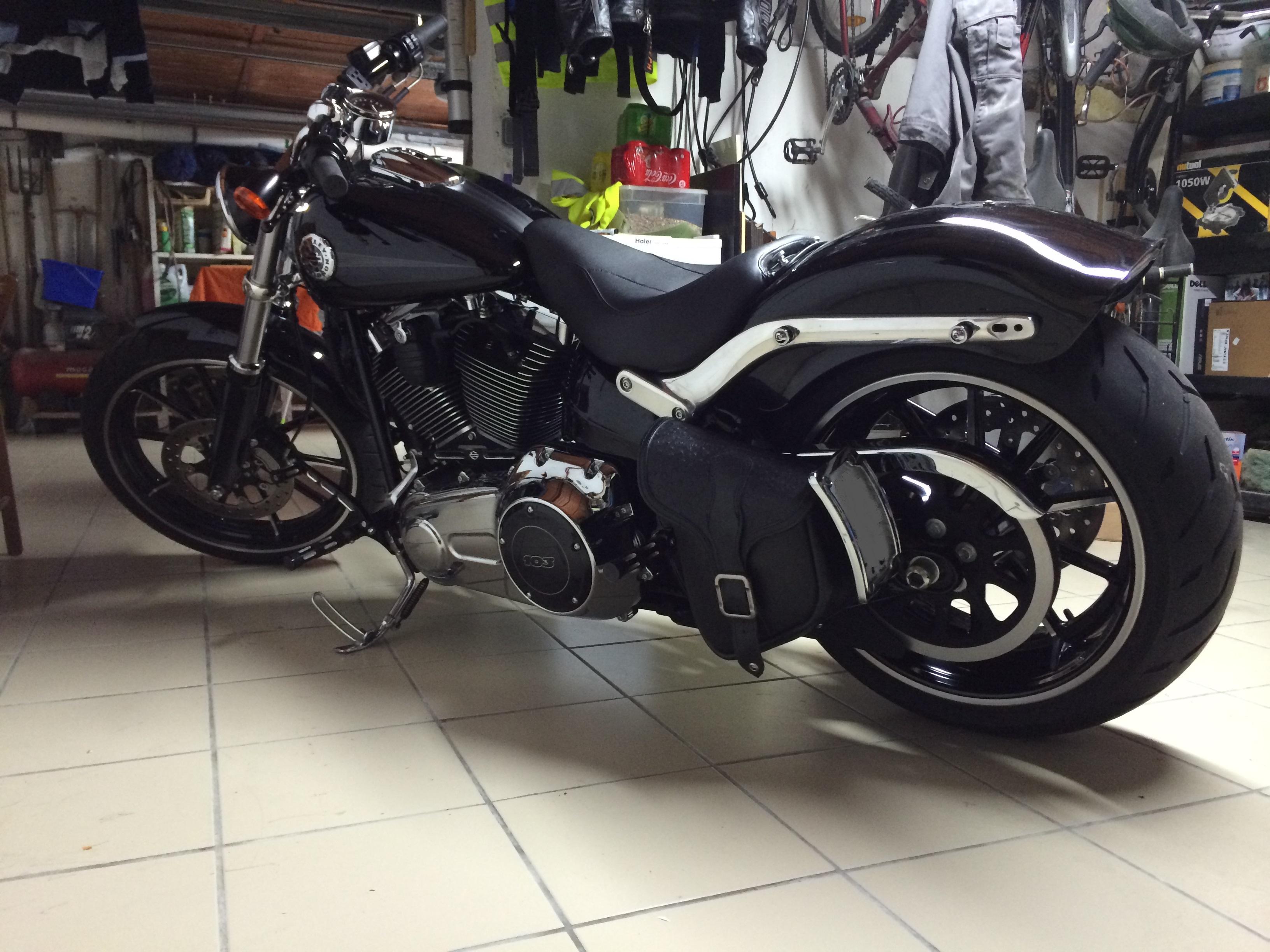 Combien de breakoutboy sur le Forum Passion-Harley ?? - Page 2 1327412013112400