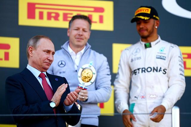 F1 GP de Russie 2016 : Victoire de Nico Rosberg 1345532016PresidentVladimirPutinKevinTaylorLewisHamilton