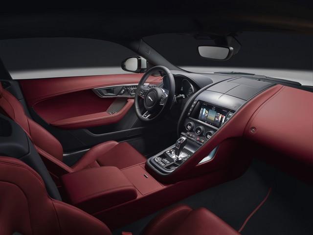 Lancement De La Nouvelle Jaguar F-TYPE Dotée De La Technologie GOPRO En Première Mondiale 137021jaguarftype18myrcoupestudiointerior10011701