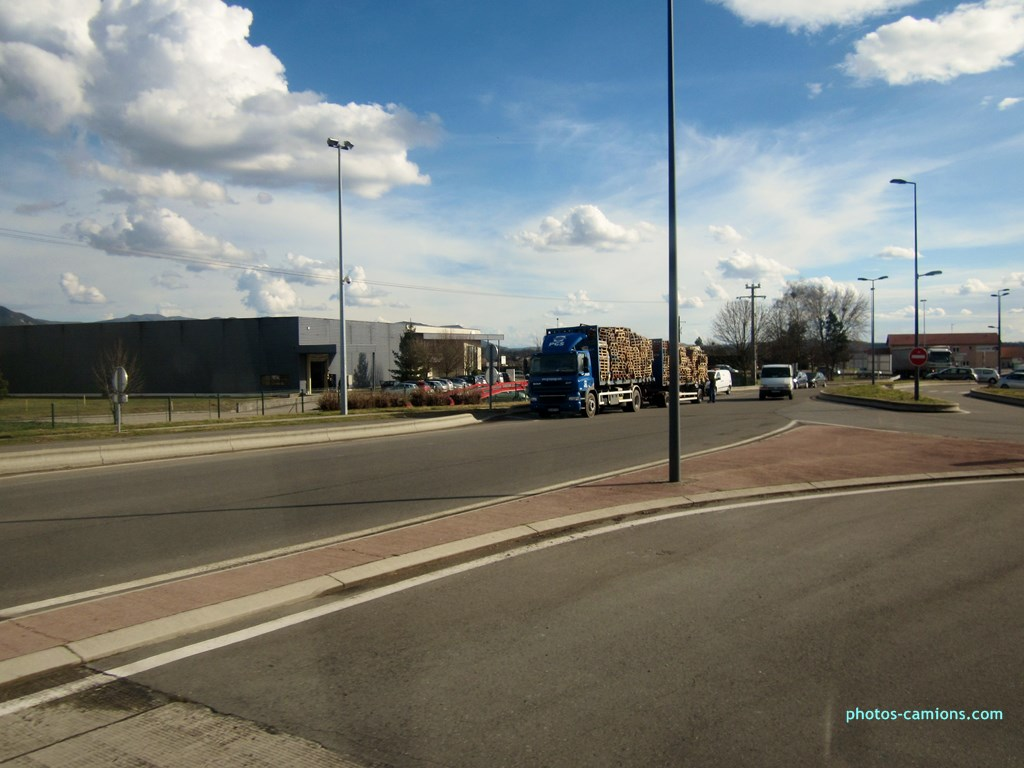 PGS Group (Palettes Gestion Services) (St Etienne du Rouvray) (76) 139549photoscamions14III2013117