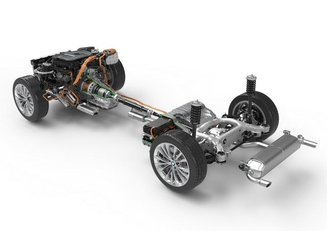 La nouvelle BMW Série 5 Berline. Plus légère, plus dynamique, plus sobre et entièrement interconnectée 141237P90238852highResbmw5seriessaloon