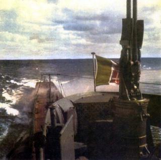 Un sommergibile italiano  142436Atropo1