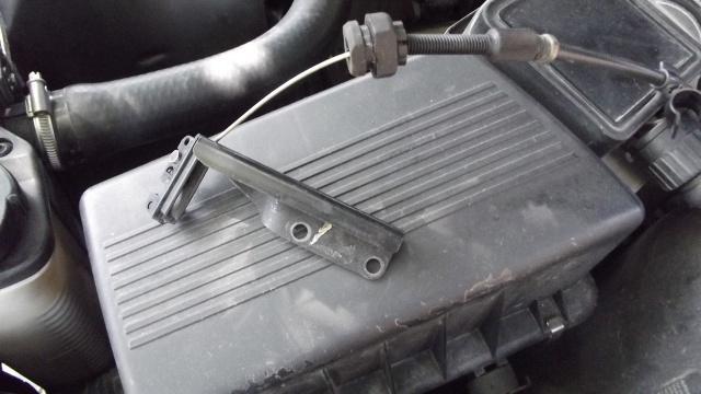 [BMW 316 i E36] Fixation câble d'accélérateur dans le moteur 14463406Cbleacclrateuretsesaccessoires