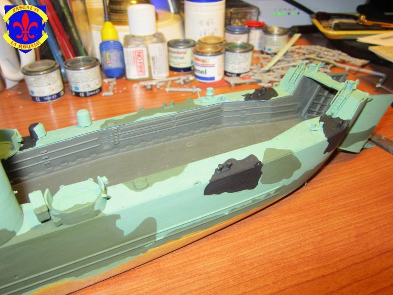 U.S. Navy Landing Ship Médium (Early) au 1/144 de Revell par Pascal 94 - Page 8 147727IMG42541