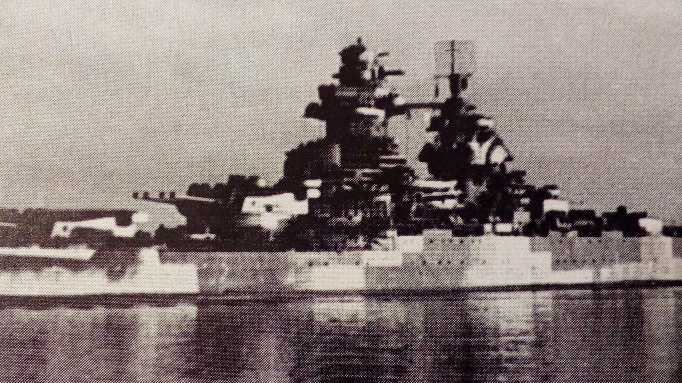 Cuirassé Richelieu 1/100 Vrsion 1943 sur plans Polonais et Sarnet + Dumas - Page 4 148354IMG20161228183416