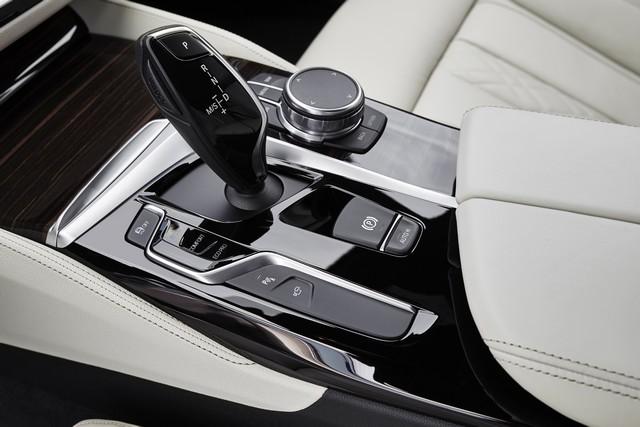 La nouvelle BMW Série 5 Berline. Plus légère, plus dynamique, plus sobre et entièrement interconnectée 150177P90237271highResthenewbmw5series