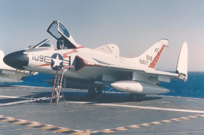 VOUGHT F-8 CRUSADER  150546DouglasF4D1SkyrayVF74