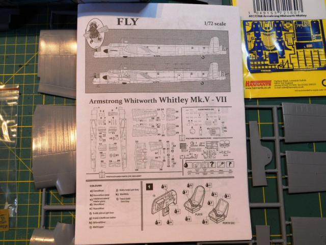 WHITLEY 1/72 Marque Fly Bombardier Moyen - RAF 154536PLANdemontage