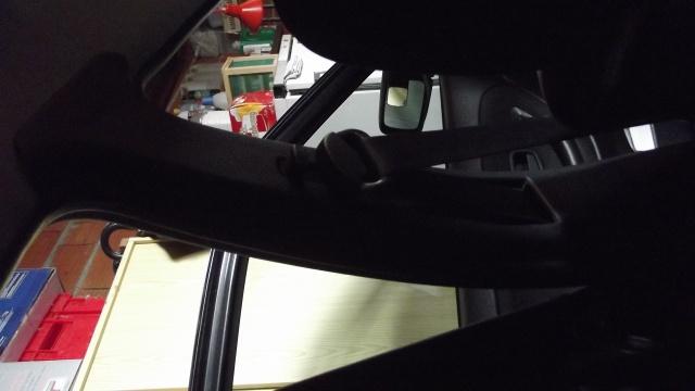 [BMW 316 i E36] Ceinture de sécurité côté conducteur 160326Piedcentral3