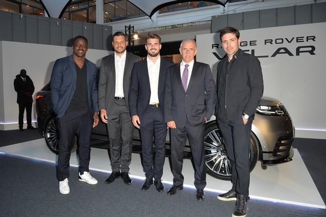 Le Range Rover Velar s'est dévoilé sur les toits de Paris 160370corpo0031
