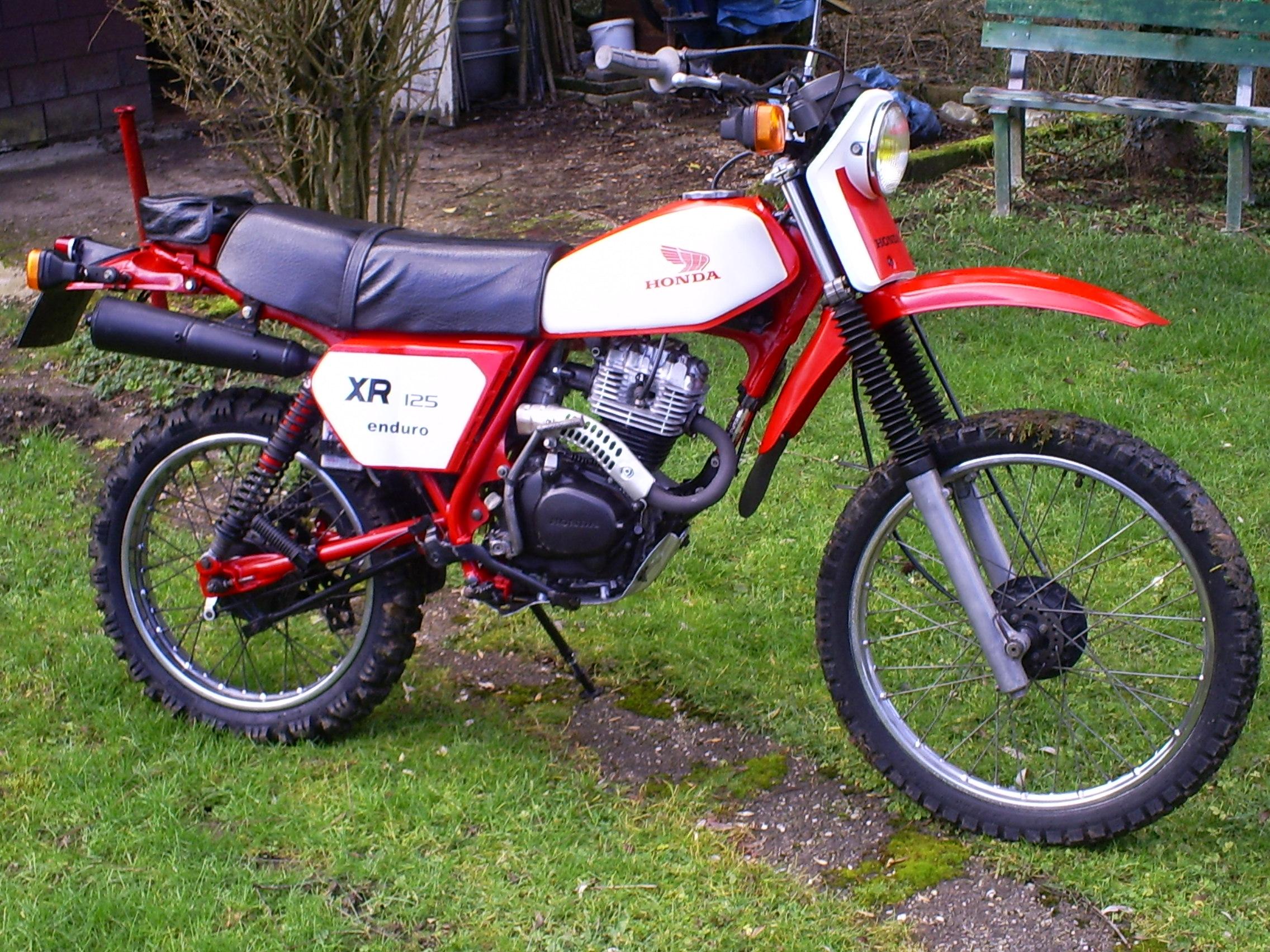 Wottel de Belgique +  XR125 1980 160836droit