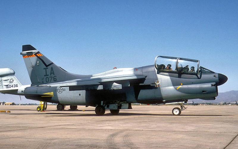 LTV A-7 Corsair II [NOUVELLE VERSION] 162091LTVA7KCorsairII6