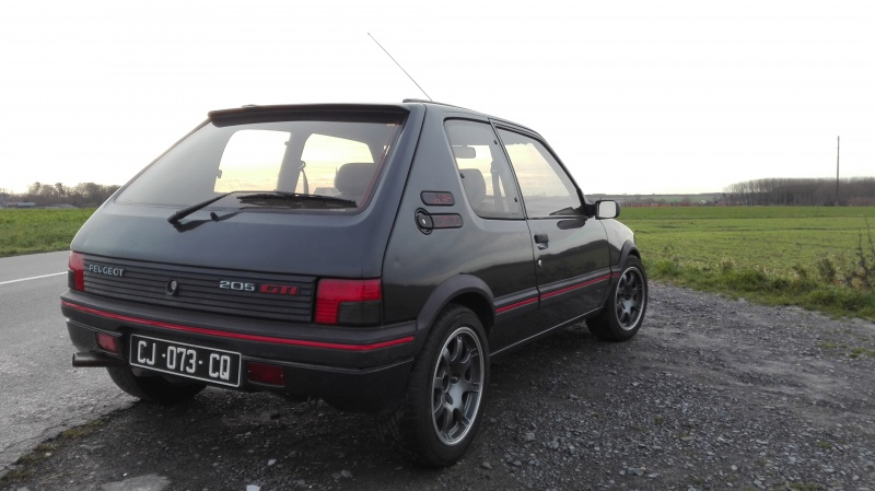 [philiopate] 205 GTI 1.6L Gris Graphite 1990 - Page 9 162503IMG20171209144034