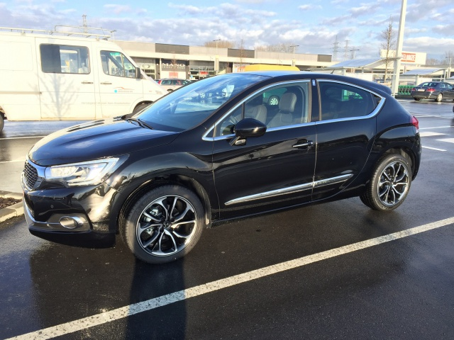 New DS4 BlueHdi 115 Sport Chic noir Perla. 163888IMG2541