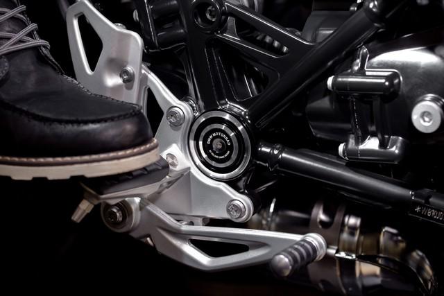 BMW Motorrad : accessoires « Machined » pour les BMW R NineT. 164094P90245876highResbmwrninetxroland